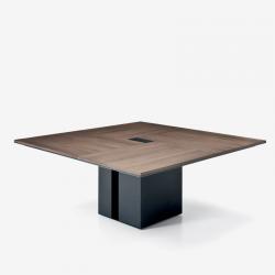 ONO - Tavolo riunioni elegante e compatto Frezza